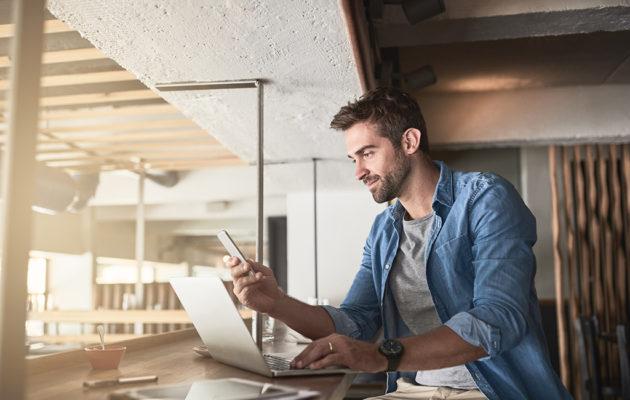KELAn Yrittäjät-sivulta tietoa muun muassa yrittäjien etuuksista ja YEL-työtulosta